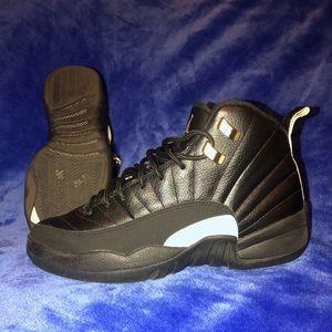 Black Jordan master 12s